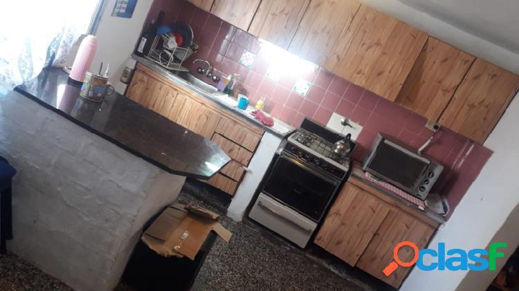 Gaboto 185 - Casa de 3 ambientes al fondo con patio 2