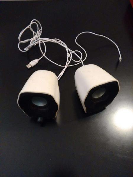 Parlantes USB para PC y Notebook marca Logitech 0