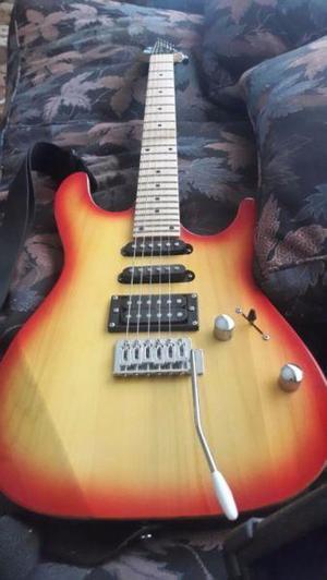 Guitarra eléctrica con correa + amplificador ross + pedal
