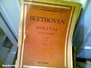 Antiguo libro con partituras de beethoven casella ricordi 2
