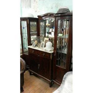 Antiguo aparador cristalero con marmol, vitraux y espejo de