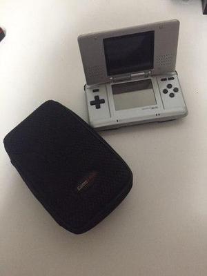 Nintendo ds con estuche!!