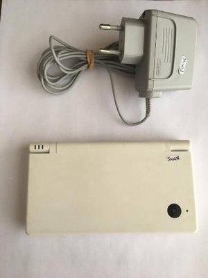 Nintendo dsi blanca con cargador 220v nintendo dsi