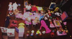 Set de muñecos articulados+accs. varios muy completo $850