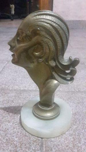 Escultura bronce eva peron