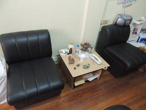 Dos sillones con mesa ratona para sala de espera - poco uso