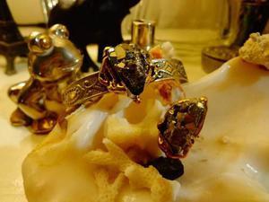 Exclusiva conjunto pulsera-anillo en piritas y plata