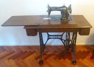 Maquina de coser singer completa funcionando excelente
