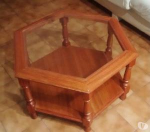 Mesa ratona hexagonal de madera y vidrio