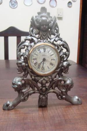 Reloj antiguo aleman de mesa a cuerda, hermosa pieza