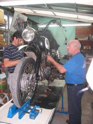 Taller mecanico motos nsu y japonesa