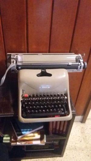 Vendo máquina de escribir mecánica