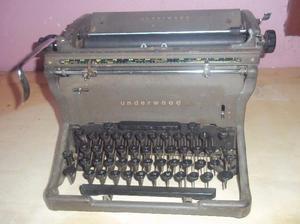 Maquna de escribir antigua underwood