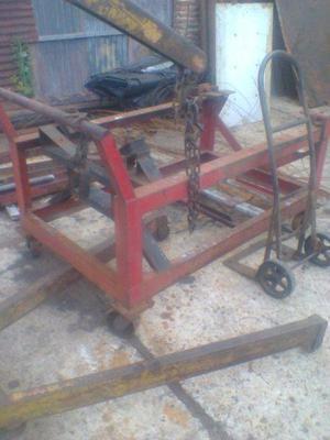 Banco de trabajo taller mecánico con ruedas para motores