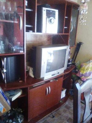 mueble cristalero y estantes