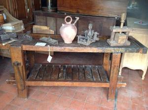 Antiguo banco de carpintero en madera de lapacho