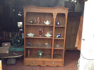 Antiguo aparador, biblioteca, cristalero, estilo ingles