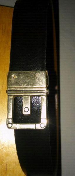 Cinturon de hombre cuero vacuno negro.