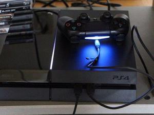 Vendo ps4 1 joyst 4 juegos digitales en caja