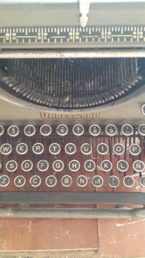 Maquina de escribir (antigua)
