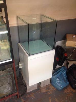 Cubo 40 x 40 x 40 + mueble a medida, ideal para plantado