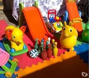 Alquiler de inflables. metegoles y plaza blanda
