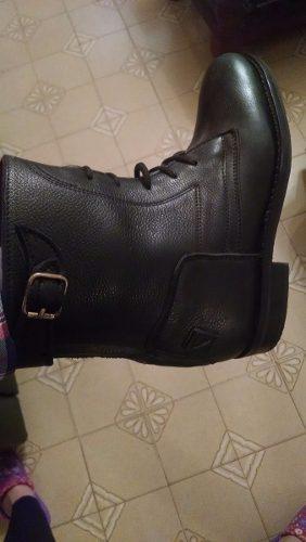 Botas cortas de cuero negro. para andar o para equitacion