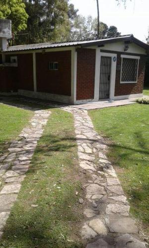 Vendo casa quinta en barrio los alamos (pegado a el trebol)