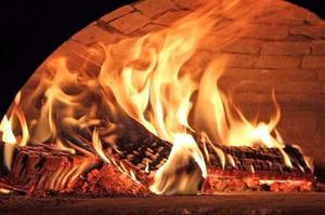 Pernil / pata de cerdo al horno de barro
