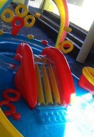Pileta lintex centro de juegos con tobogán y pelotitas