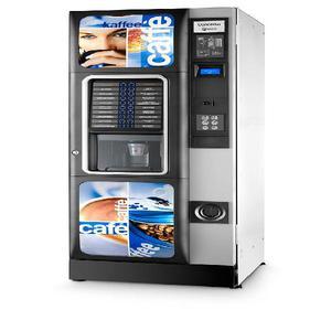 Máquinas expendedoras de bebidas frías y calientes.
