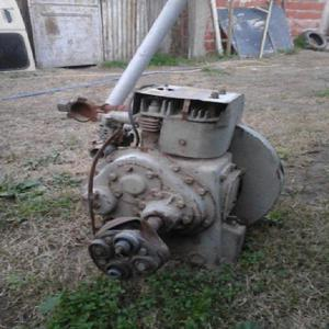 Antiguo motor ingles marca petter monocilindrico de 600cc