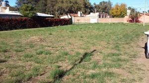 Terreno en venta. 820 m2. dos lotes en toay frente a entrada
