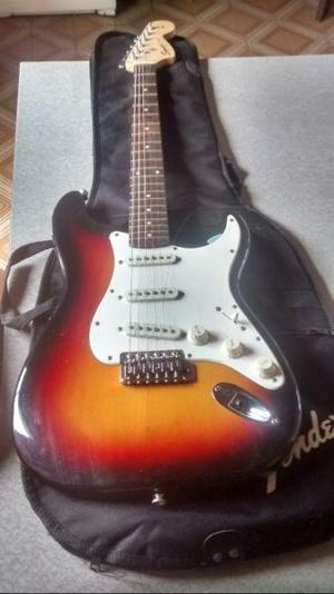 Guitarra squier by fender stratocaster bullet amplificador