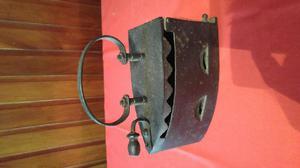 Antigua plancha a carbón de 1850 hierro