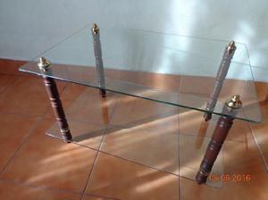 Mesa ratona de vidrio y madera