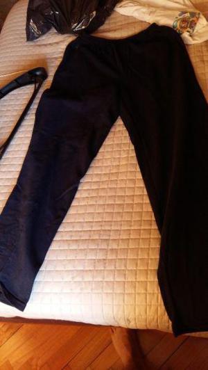Pantalon negro suelto