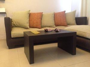 Sofa esquinero con mesa chenille-ecocuero