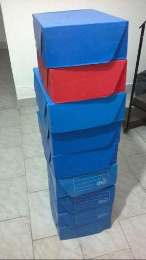 Carpetas varias y cajas archivo plasticas