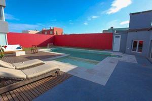 Casa con piscina a doce cuadras de la playa. código 514.