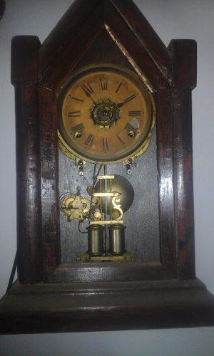Antiguo reloj a cuerda ansonia con alarma