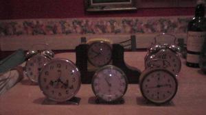 Lote de 6 reloj antiguo a cuerdas diferente países