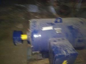 Motor eléctrico siemens electromac 300 hp trifasico