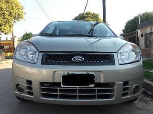 Ford fiesta max 2007 c/gnc