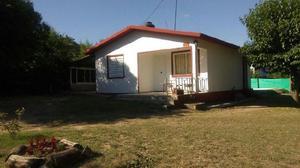 Casa p/5 personas con pileta en villa sta cruz del lago