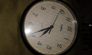 Reloj pared pilas anuncios agosto clasf - Reloj de pared para cocina ...