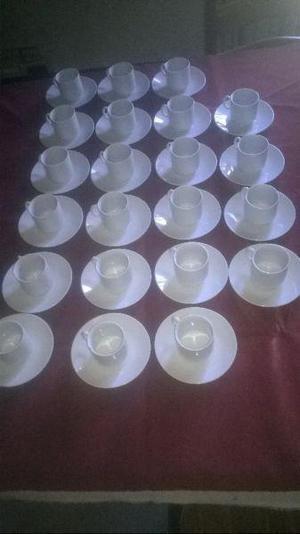 Lote de tazas de cafe blancas