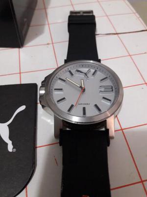 Líquido reloj puma original impecable