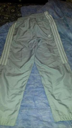 Adidas original, pantalón gris perla, nuevo, talle u.s. 5