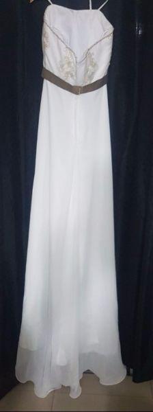 Imperdible vestido de novia y zapatos diseñadora alta